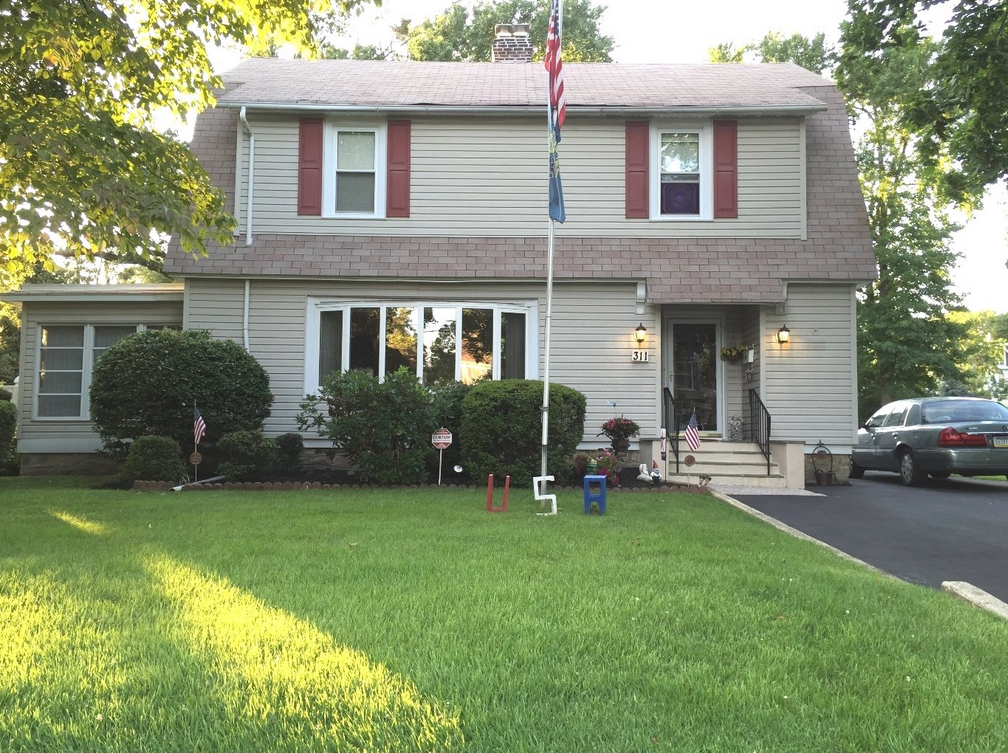 311 E Hinckley Ave, Ridley Park, PA 19078 home for sale Delaware county