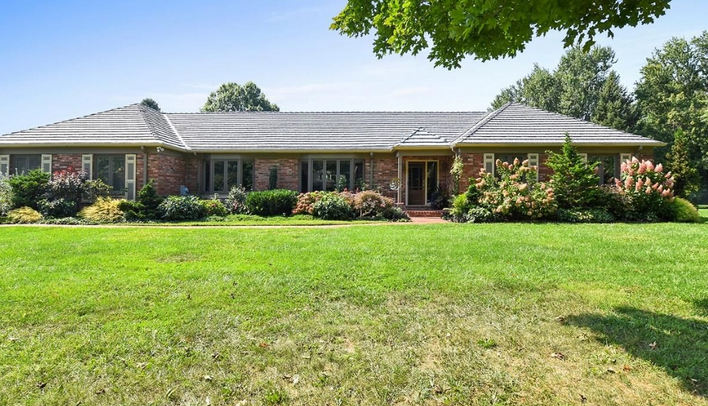 A home for sale at 58 Vineyard Ln Media, PA 19063 in Delaware County