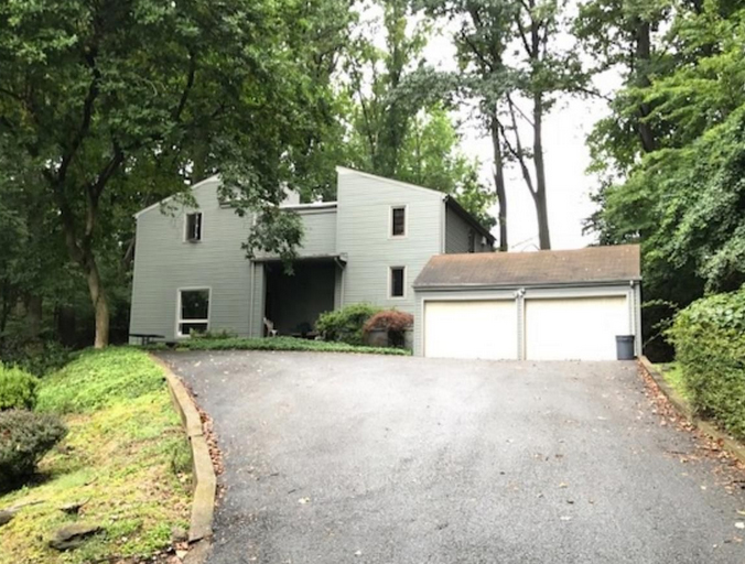 A home for sale at 718 Winchester Rd Broomall, PA 19008 in Delaware County