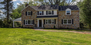 240 Arden Rd Broomall, PA 19008